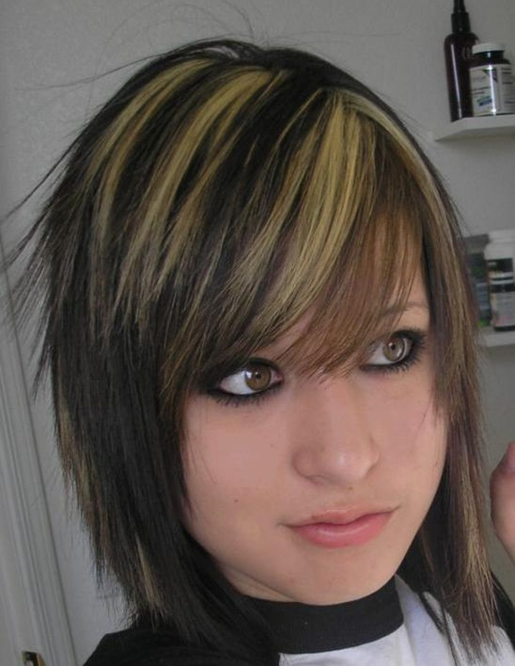 2018 Shaggy Emo Haircuts Regarding Hairstyles For Girls With Medium Hair  (View 3 of 15)