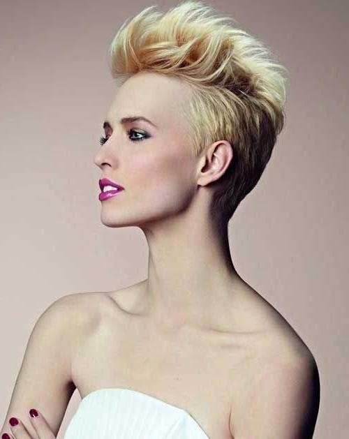 26 Best Short Haircuts For Long Face – Popular Haircuts Inside Most Popular Stylish Pixie Haircuts (View 4 of 20)