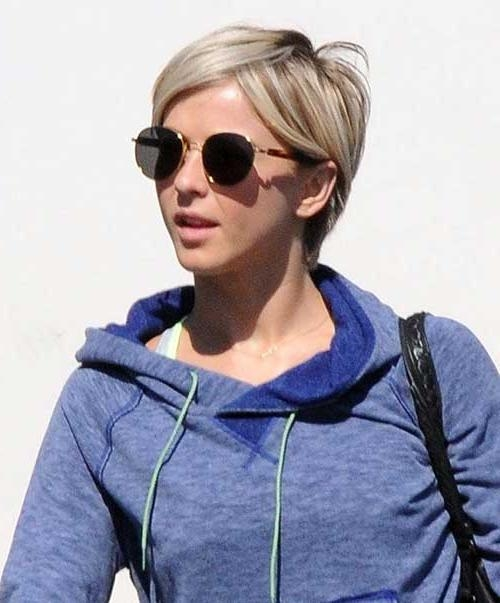 30 Easy Short Hairstyles For Women (View 9 of 20)