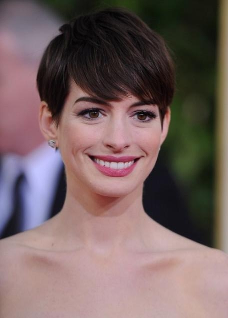 Anne Hathaway Short Haircut – Layered Pixie Cut For Straight Hair Pertaining To Newest Pixie Haircuts For Straight Hair (View 6 of 20)