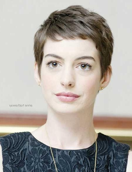 Featured Photo of Short Bangs Pixie Haircuts
