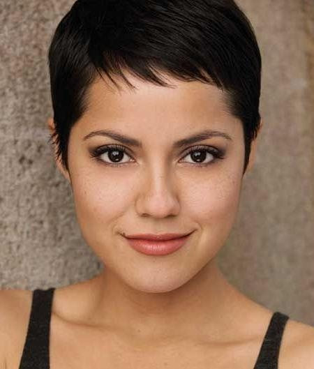 Featured Photo of Short Pixie Haircuts For Round Faces