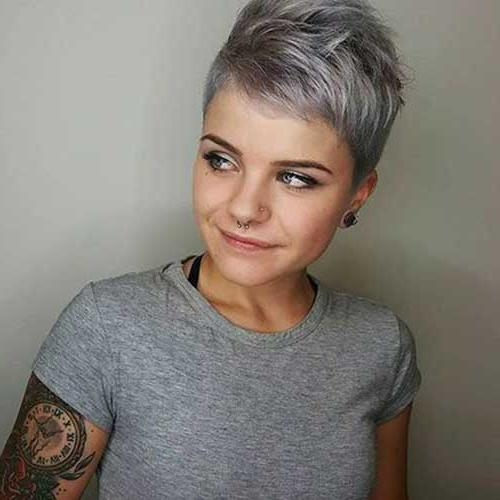 Chic Short Hair Ideas For Round Faces (View 4 of 20)