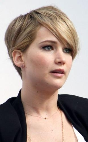 Current Pixie Haircuts For Round Face Shape Intended For 28 Perfectly Styled Pixie Cuts With Side Swept Bangs (edgy (View 8 of 20)