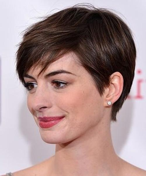 Cutest Celebrity Short Pixie Haircuts (View 3 of 20)