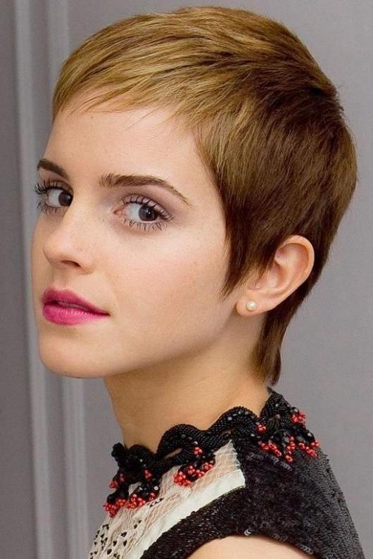 Emma Watson Short Haircut: Blond Dip Dye Ultra Short Pixie Cut In Favorite Ultra Short Pixie Haircuts (View 7 of 20)
