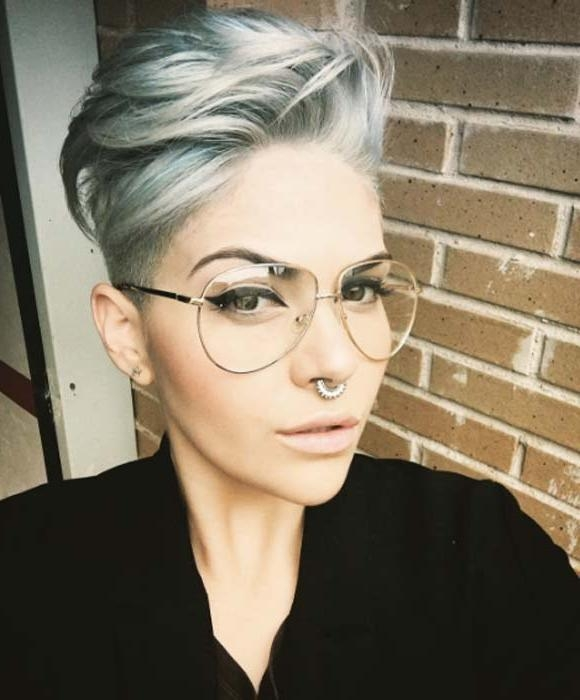 Fashionable Pixie Haircuts With Glasses Within 100 Top Pixie Haircuts Of All Time – Style Skinner (View 8 of 20)