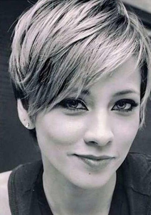 Featured Photo of Medium Short Pixie Haircuts