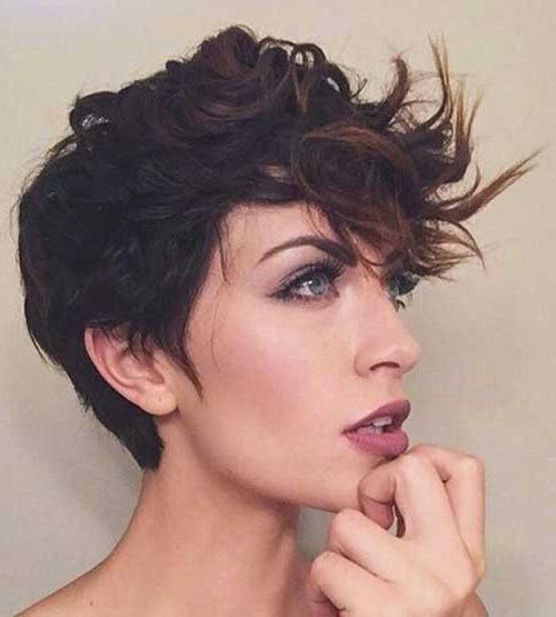 Incredble Curly Pixie Cuts You Will Love (Gallery 5 of 20)