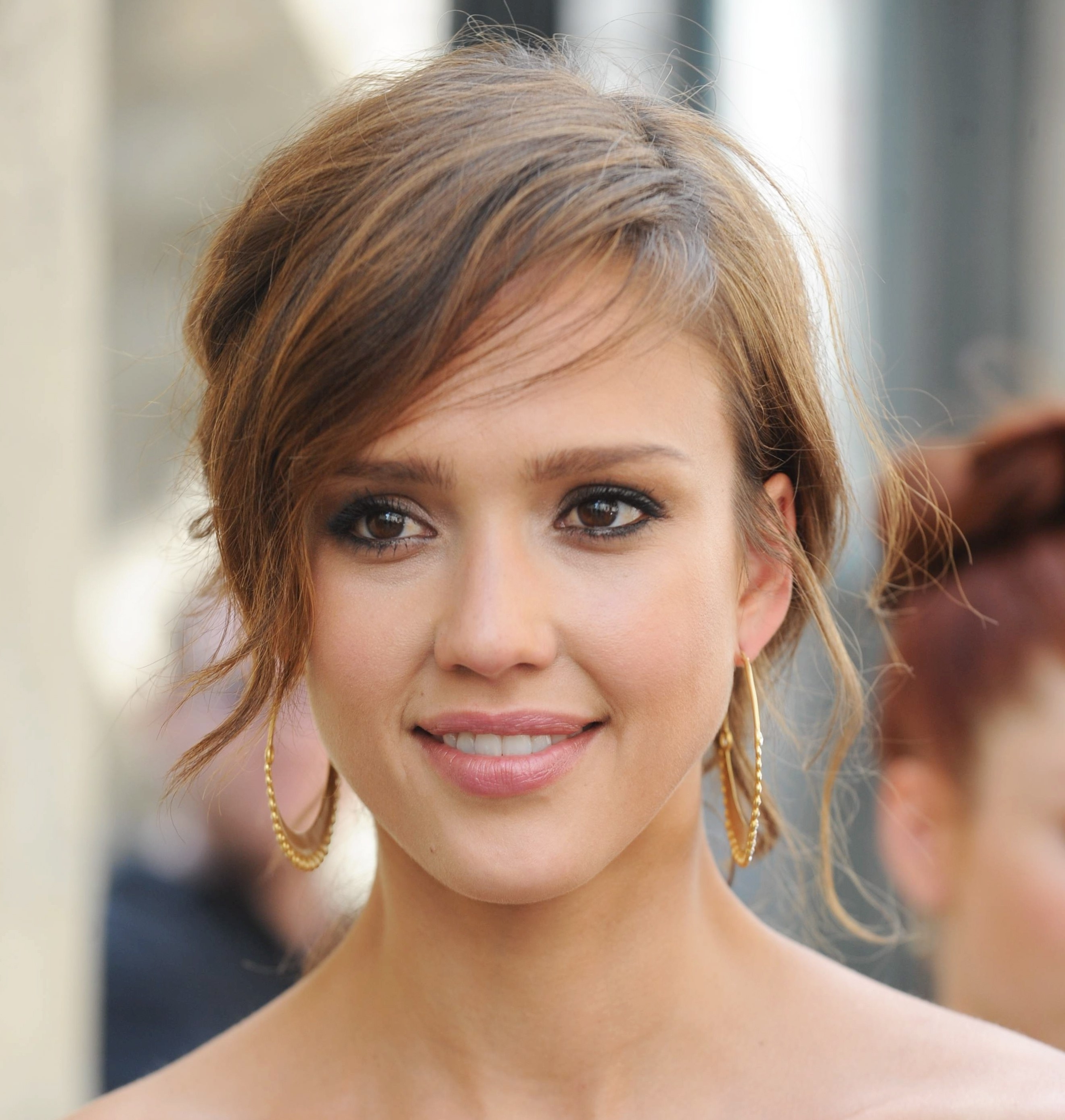 Jessica Alba Bob Short Hairstyle Flipcute Short Haircuts Pertaining To Well Known Japanese Shaggy Hairstyles (Gallery 13 of 15)