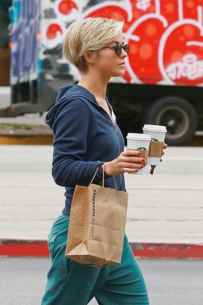 Julianne Hough Joins The Pixie Cut Club (View 7 of 20)