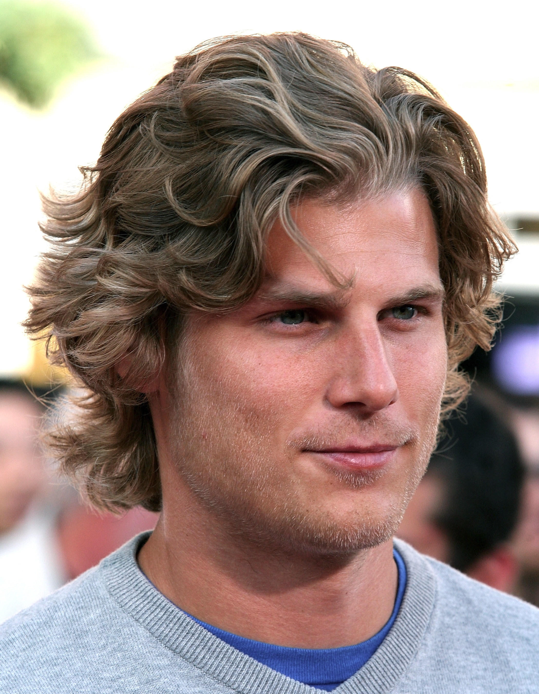 Men\'s Hairstyles – Photos Of Men\'s Shaggy Hairstyles (View 6 of 15)