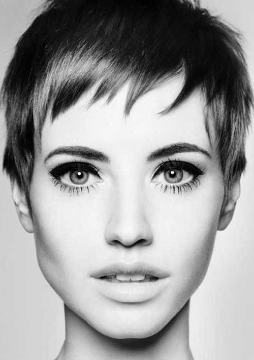Featured Photo of Modern Pixie Haircuts