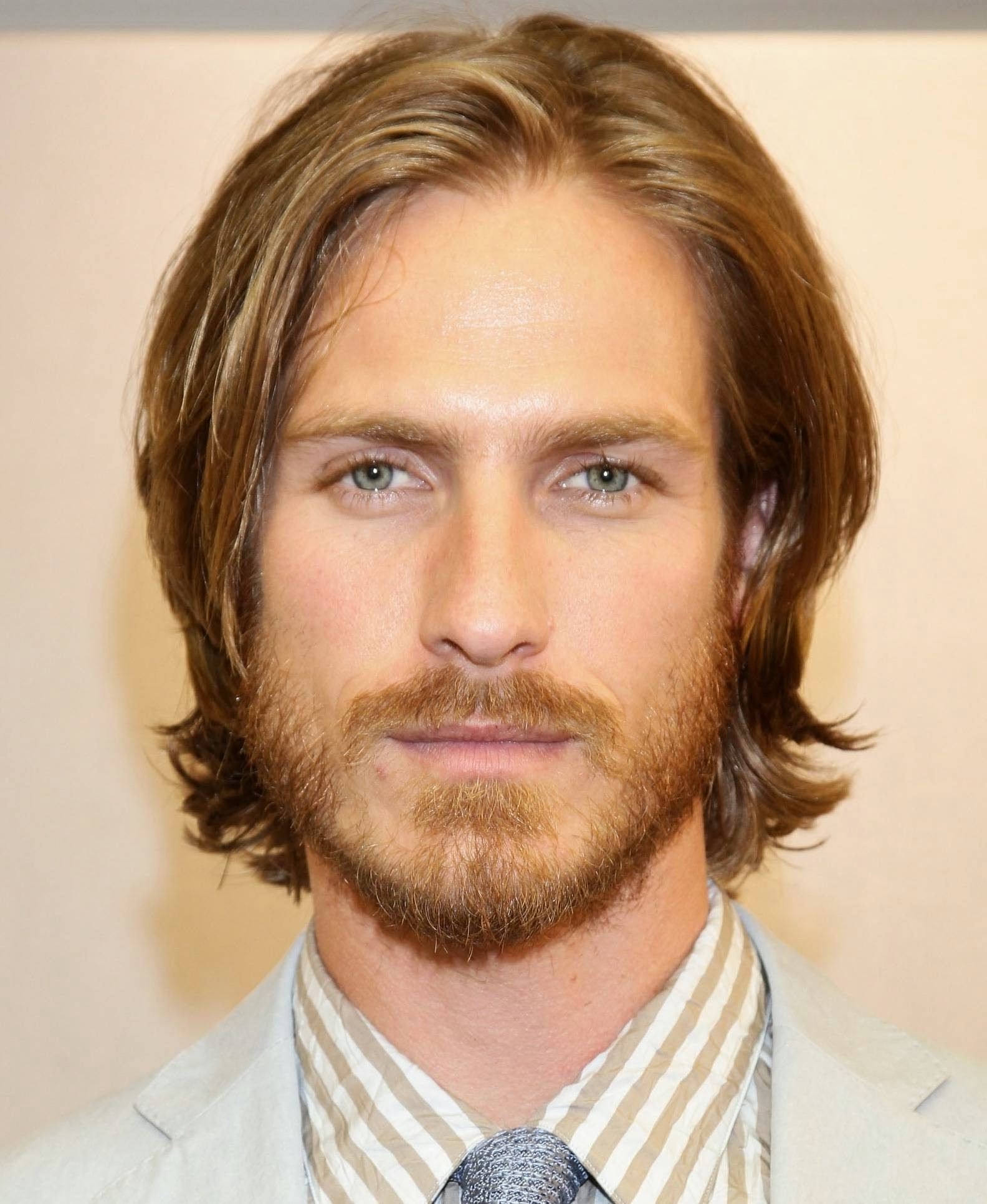 Pictures Pertaining To Well Known Mens Shaggy Hairstyles Thick Hair (View 9 of 15)