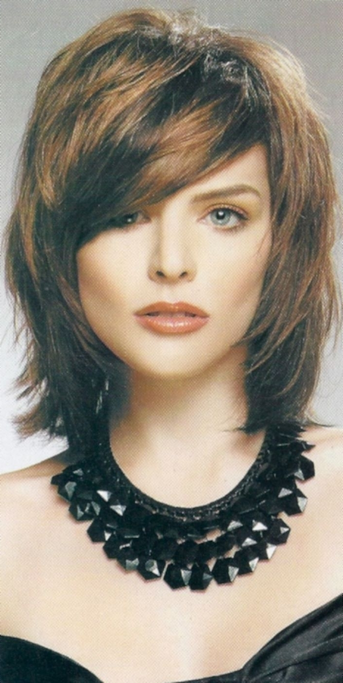 Popular Short To Medium Length Shaggy Hairstyles In Shag Hairstyle : Simple Hairstyle Ideas For Women And Man (View 6 of 15)