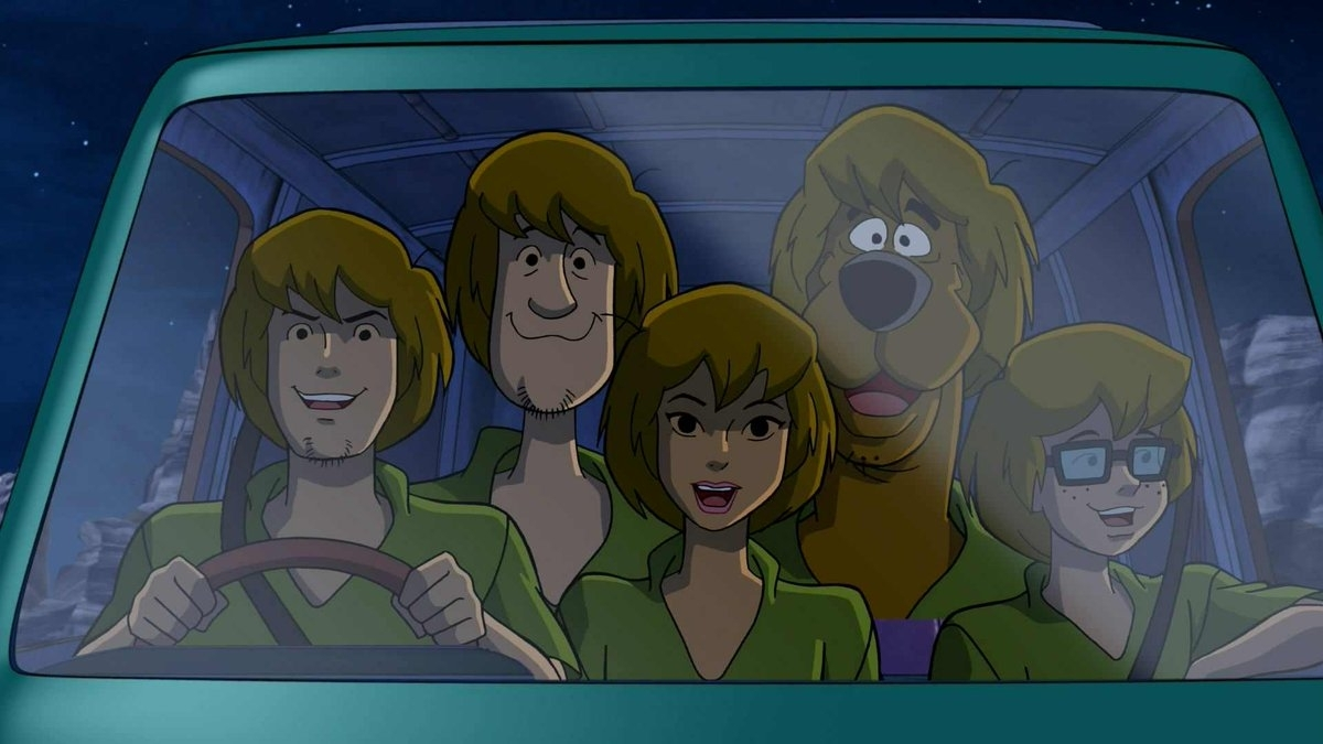 Featured Photo of Shaggy Rogers Haircut
