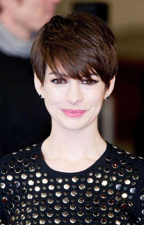 Featured Photo of Brown Pixie Haircuts