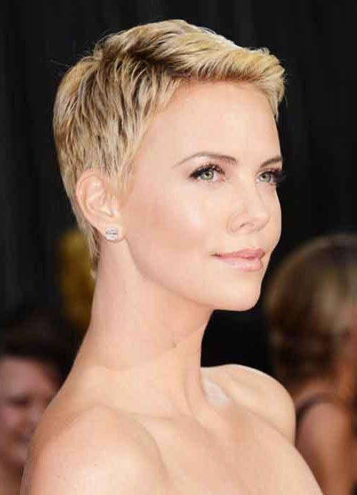 Short Hairstyles 2016 Within Fashionable Pixie Haircuts For Oblong Face (View 17 of 20)