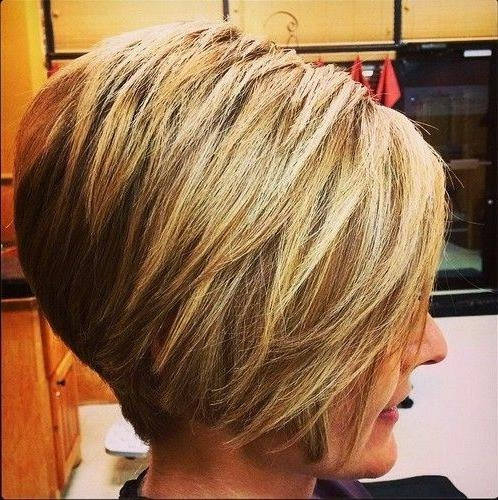 Short Layered Inverted Bob Hairstyles (View 17 of 20)