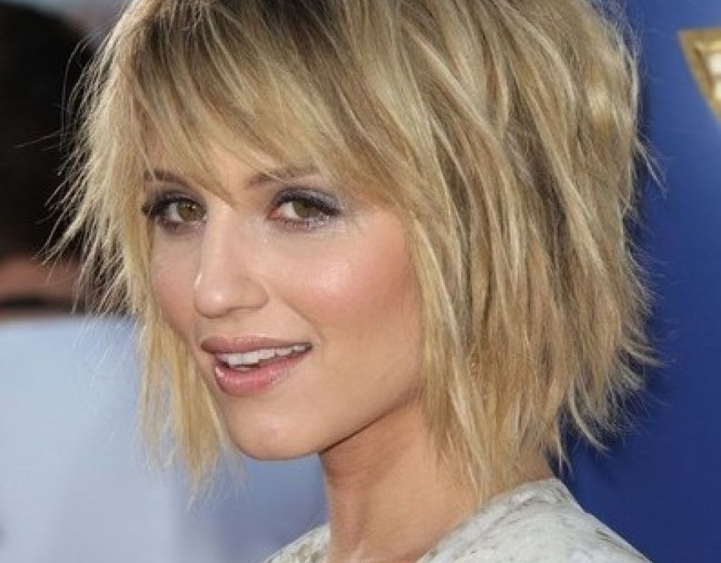Short To Medium Layered Hairstyles For Fine Hair – Hairstyle For Throughout Well Known Shaggy Bob Hairstyles With Bangs (View 10 of 15)