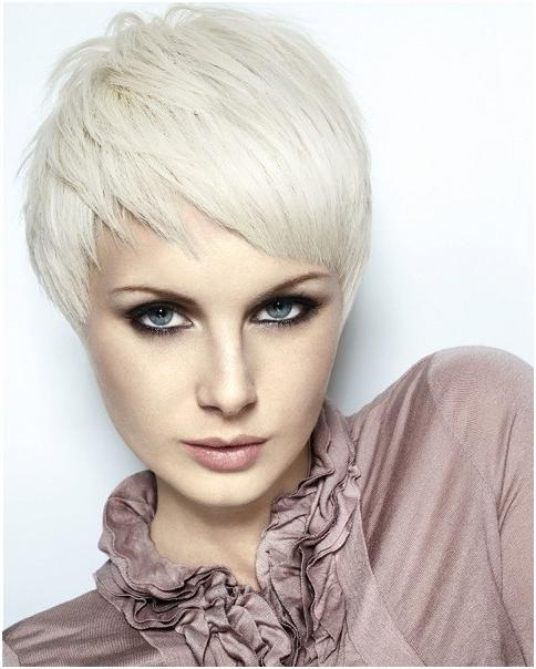 Straight, Layered Razor Pixie Haircuts: Smooth Short Hair With Regard To Favorite Short Straight Pixie Haircuts (View 18 of 20)