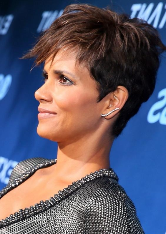 Tousled Pixie Cut For Black Women – Halle Berry Short Haircut In Well Known Tousled Pixie Haircuts (Gallery 17 of 20)