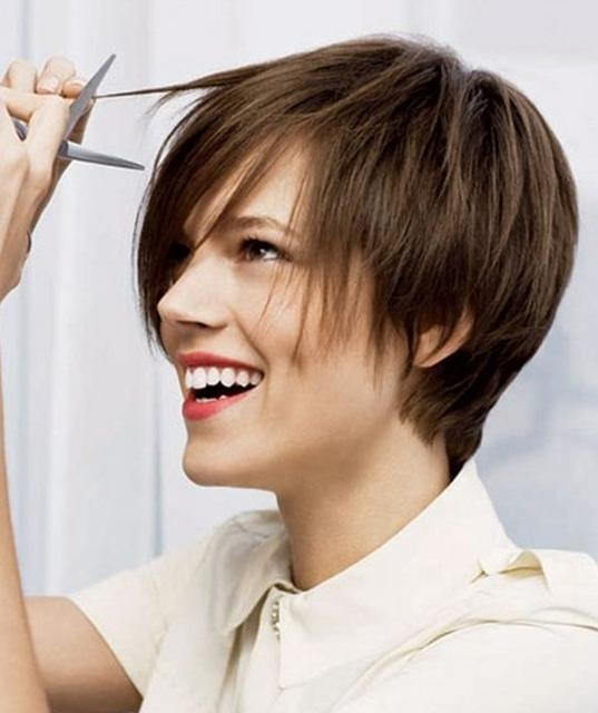 Trendy Blunt Pixie Haircuts With 30 Latest Short Hairstyles For Winter 2018 – Best Winter Haircut Ideas (View 19 of 20)