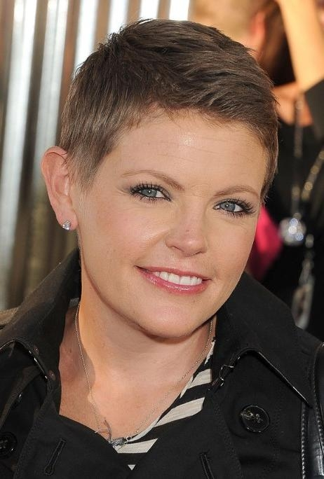 Very Short Boyish Pixie Haircut For Women – Natalie Maines Inside Current Very Short Pixie Haircuts For Women (View 17 of 20)