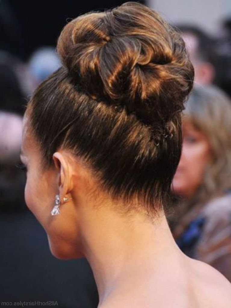 52 Massive Short Bun Hairstyles For Teenager Girls Within Updo Bun Hairstyles (View 14 of 15)