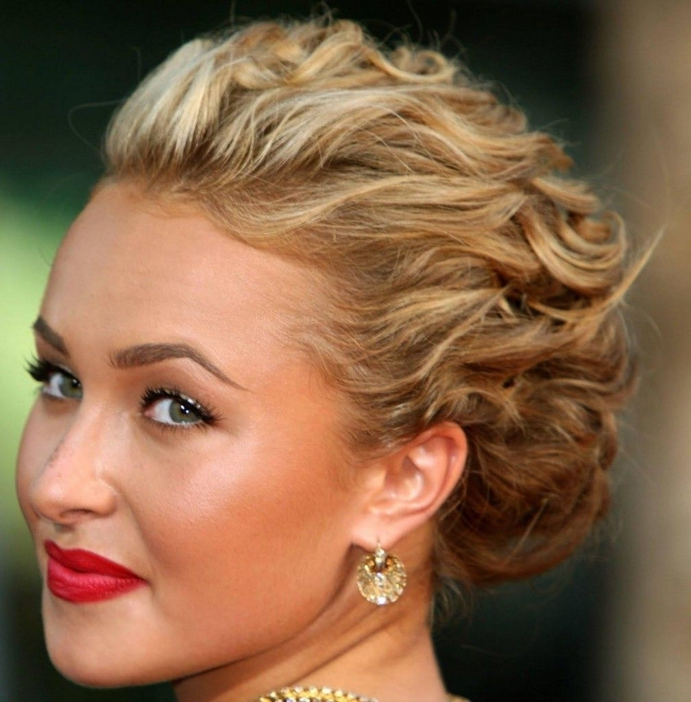 Best Celebrity Updos | Curly Updo Hairstyles, Updo And Curly Pertaining To Updo Hairstyles For Wavy Medium Length Hair (View 1 of 15)