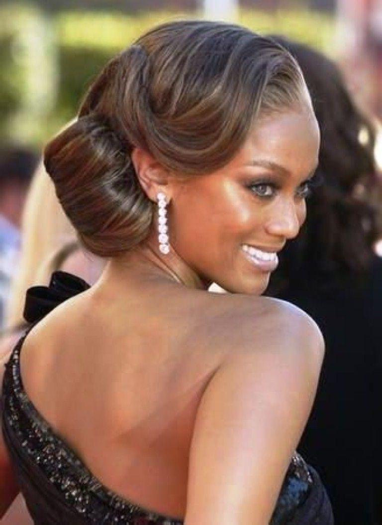 Best Wedding Medium Hairstyle With Side Bun For Black Women | Hair Intended For Black Bride Updo Hairstyles (View 2 of 15)
