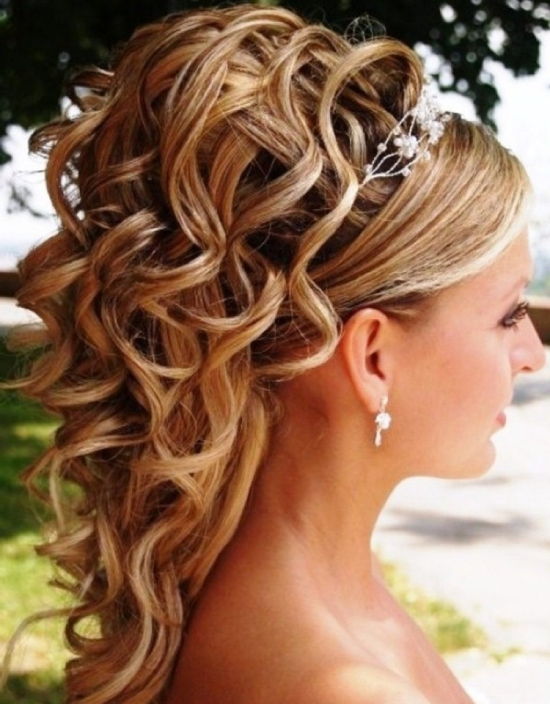 Bridal Hairstyles For Strapless Dresses | Trend Hairstyle And With Regard To Updo Hairstyles For Strapless Dress (View 5 of 15)