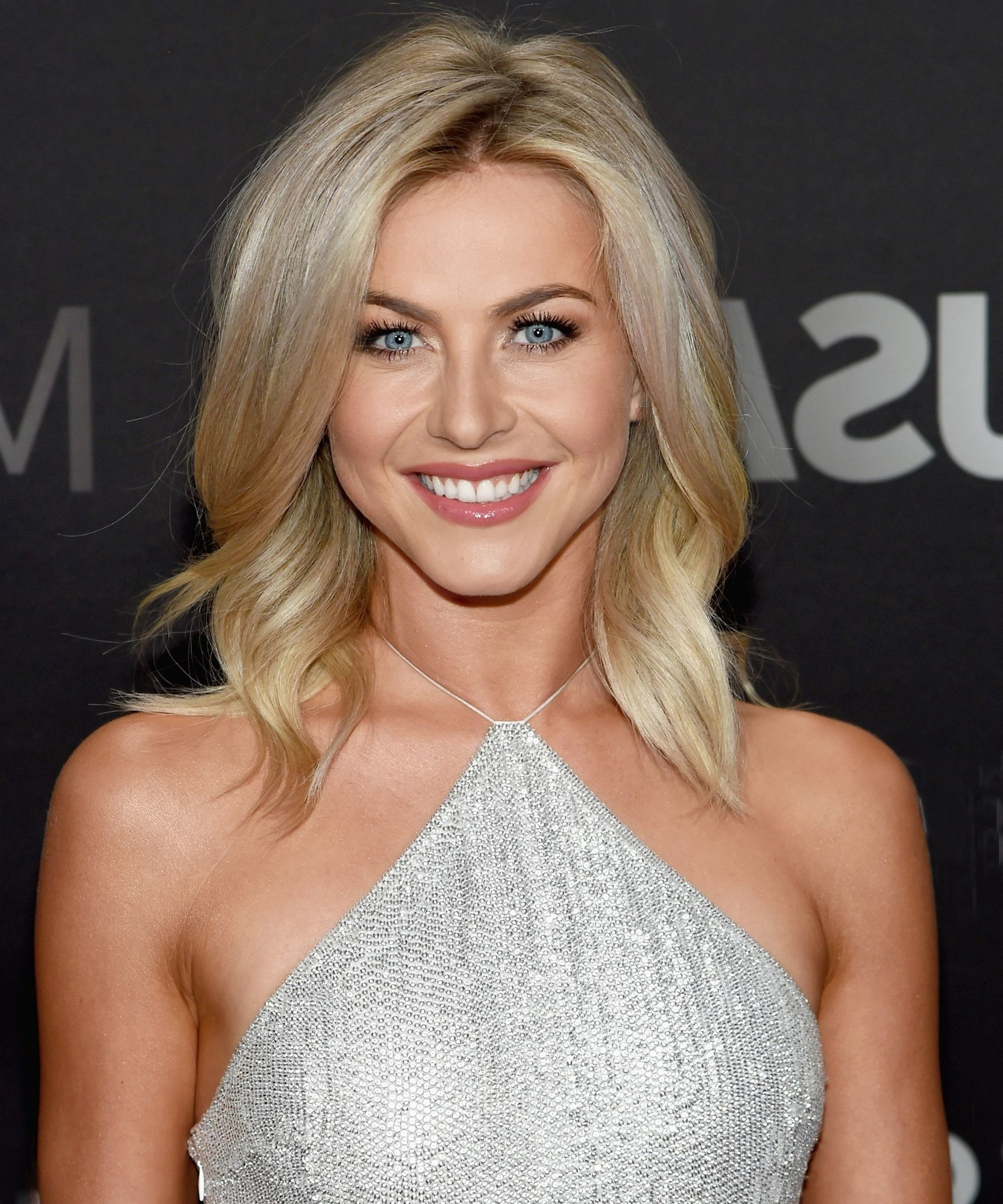 Did Julianne Hough Have Her Best Hair Day Ever? | Julianne Hough In Julianne Ho Hairstylesugh Updo Hairstyles (Gallery 8 of 15)