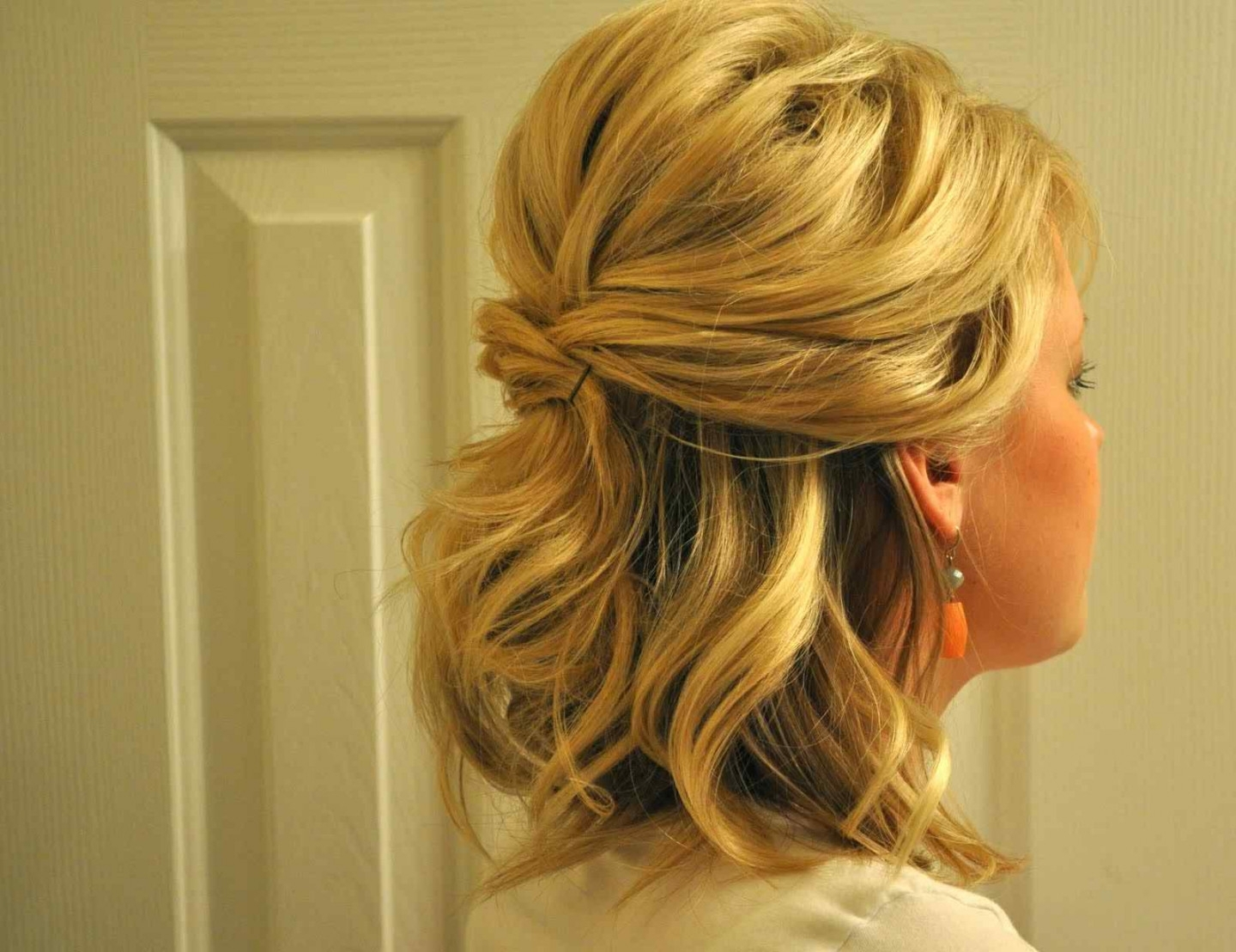 Easy Half Up Hairstyles For Medium Hair – Hairstyle For Women & Man Inside Half Updo Hairstyles For Medium Hair (View 8 of 15)