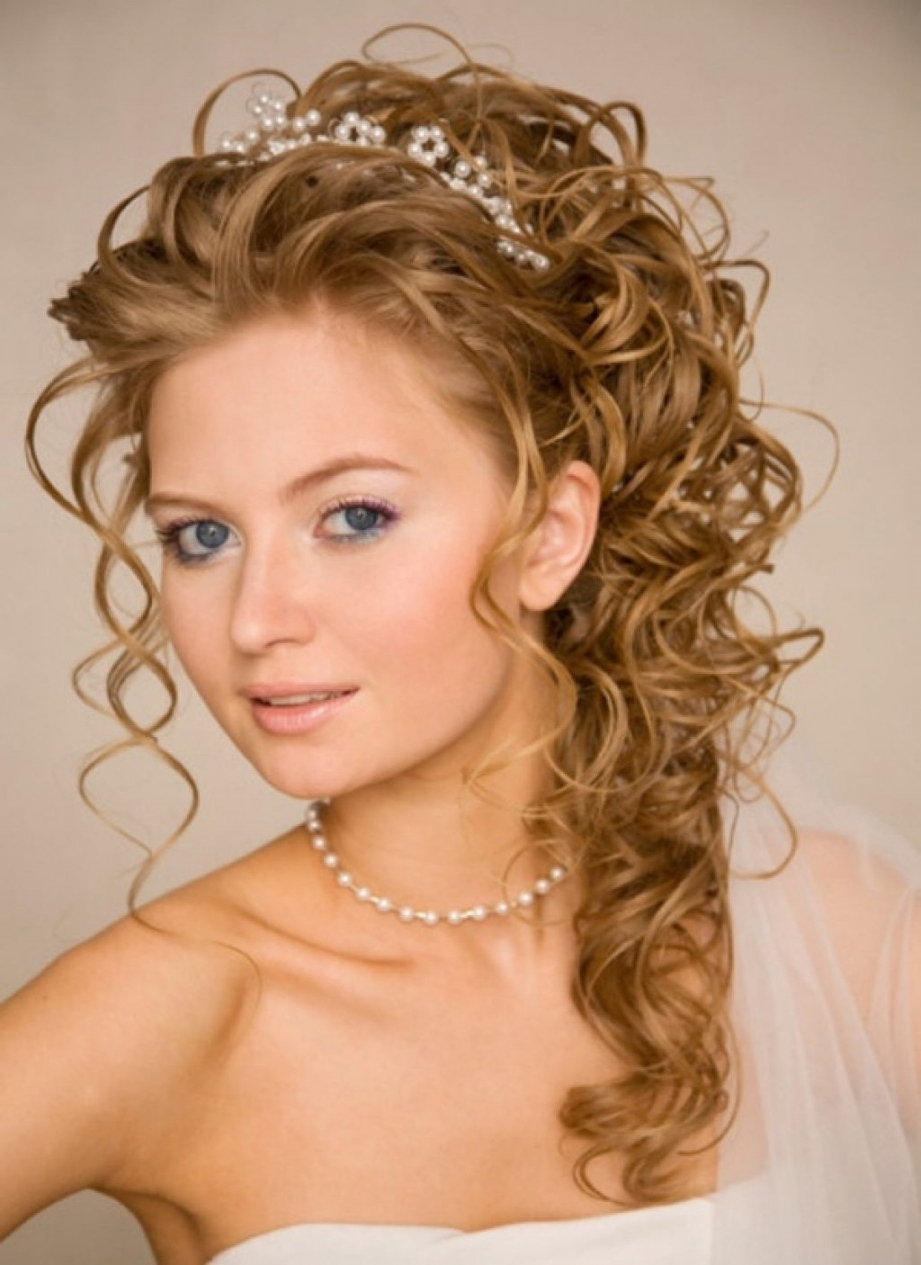 Hair Updo Hairstyles Prom Hairstyles Long Curly Hair Women Black Throughout Black Curly Hair Updo Hairstyles (View 14 of 15)