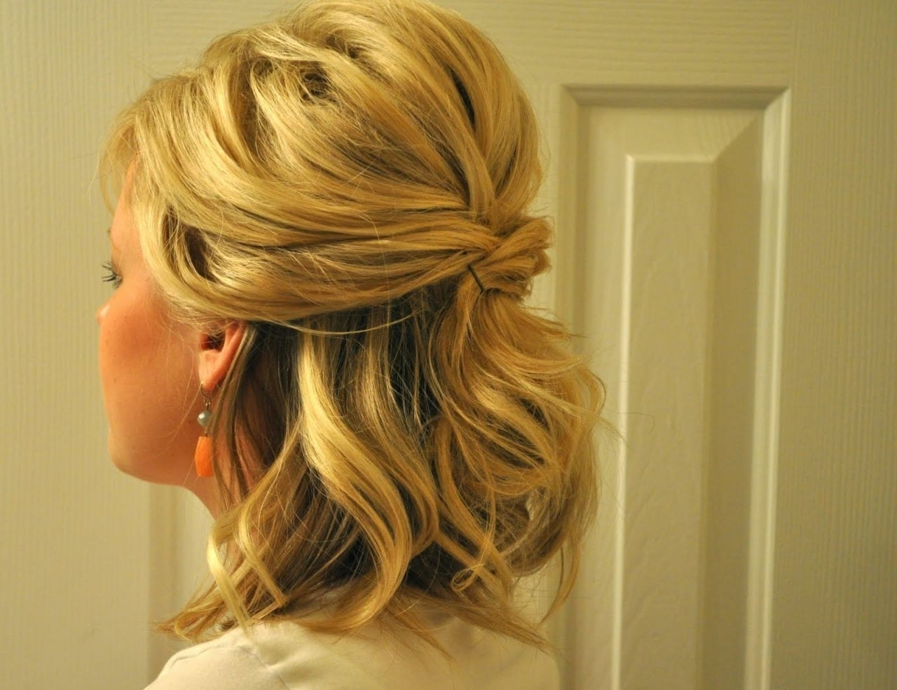 Half Up Wedding Hairstyles Medium Length Hair New Curly Half Updo Inside Half Hair Updos For Medium Length Hair (View 9 of 15)