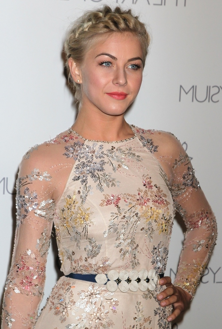 Julianne Hough: 25 Most Impressive And Trendy Hairstyles For Your In Julianne Ho Hairstylesugh Updo Hairstyles (View 14 of 15)