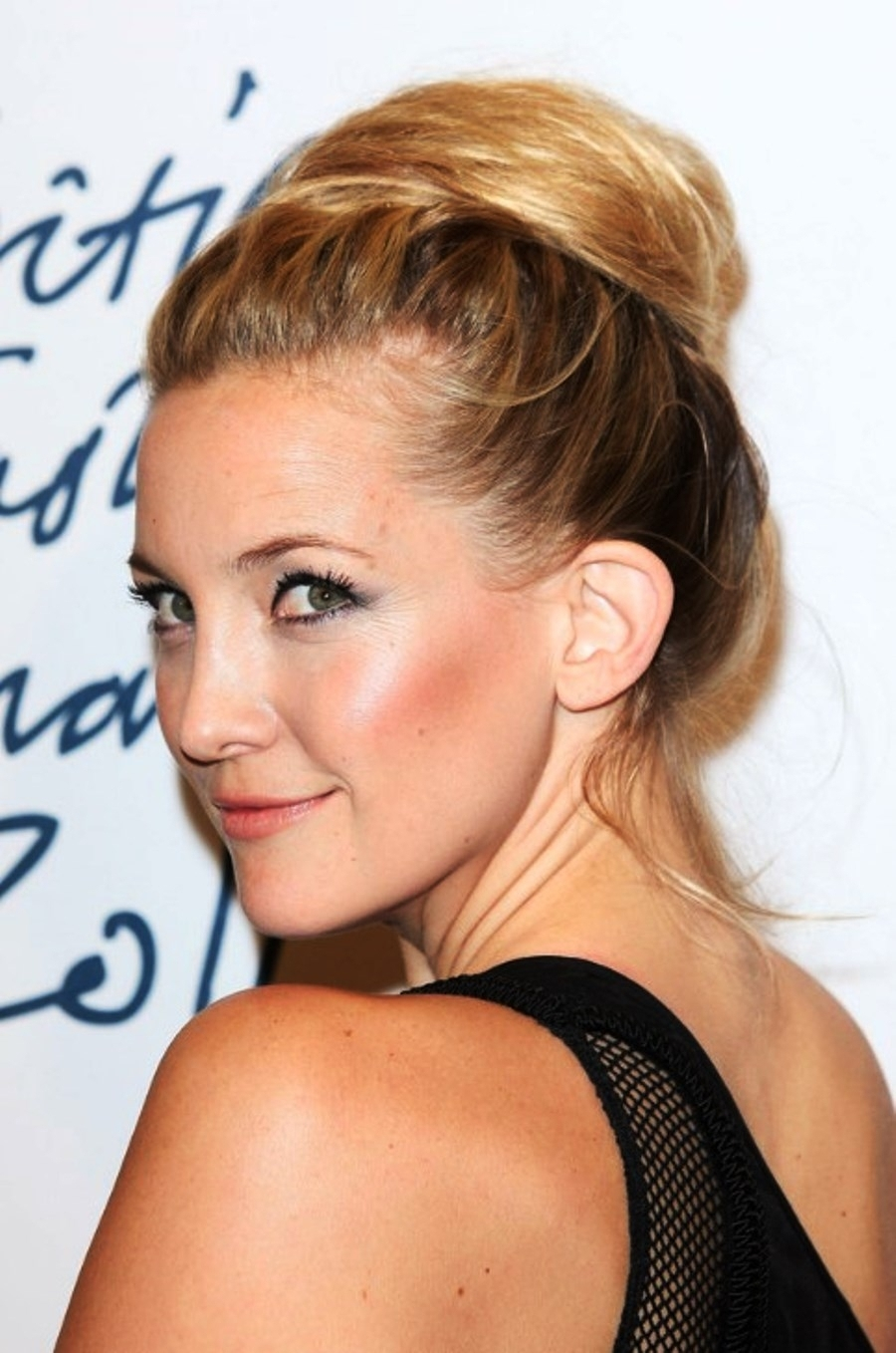 Kate Hudson Updo Hairstyles Pictures Of Kate Hudson Sexy Loose Bun With Regard To Sexy Updo Hairstyles (View 10 of 15)