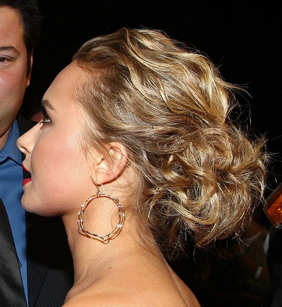 Pictures Of Updo Hairstyles For Medium Length Hair With Regard To Updo Hairstyles For Wavy Medium Length Hair (View 12 of 15)
