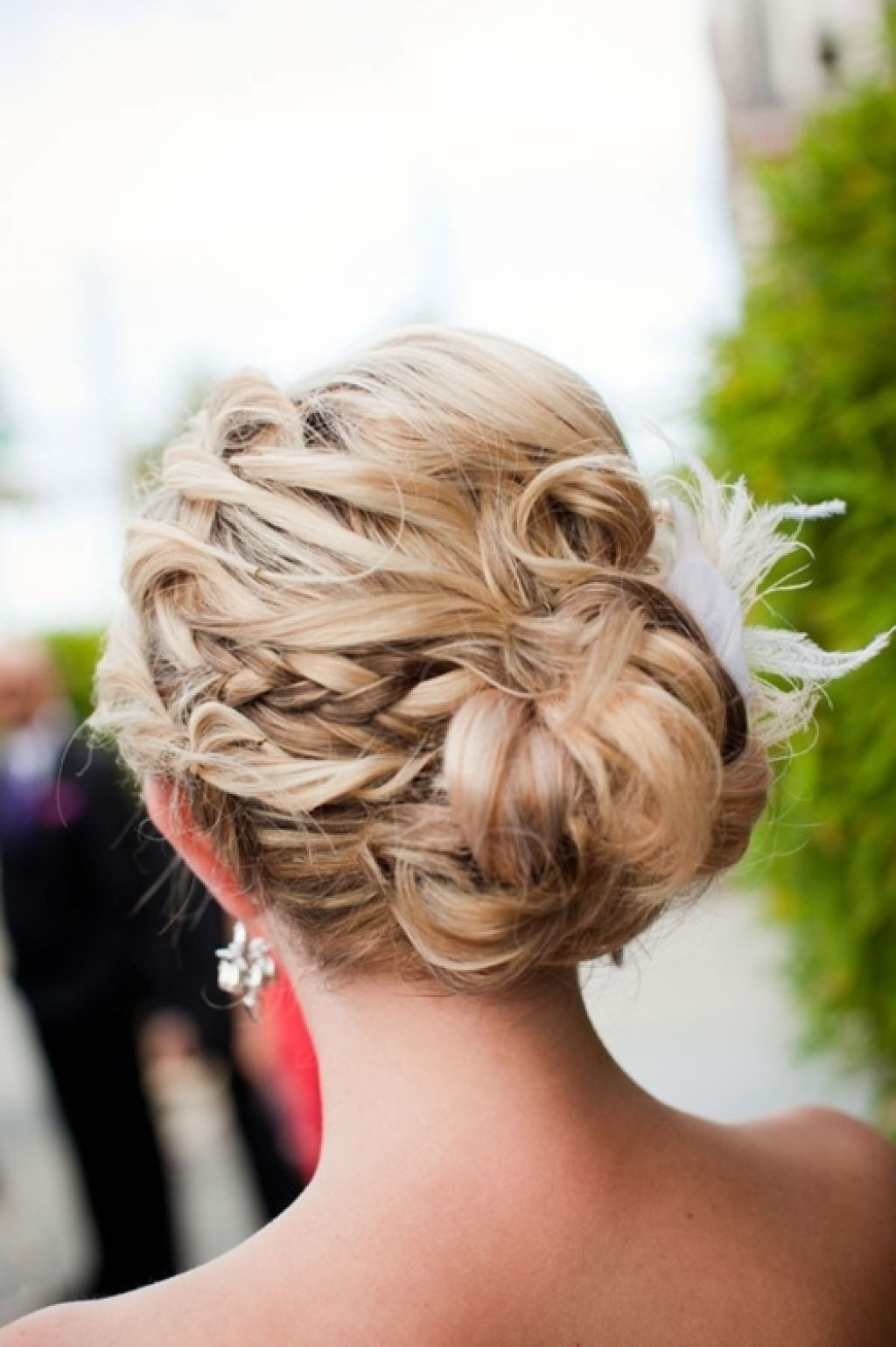 Trendy Prom Hairstyles Pictures With Blonde Long Hair Updos – Girly Intended For Teenage Updos For Long Hair (View 14 of 15)