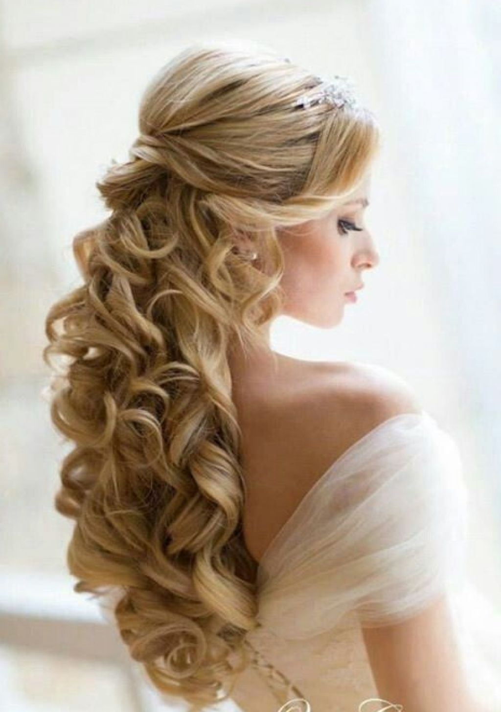 Wedding Updo Hairstyles Long Curly Hair Archives – Women Medium Haircut With Regard To Wedding Updos For Long Hair (View 12 of 15)