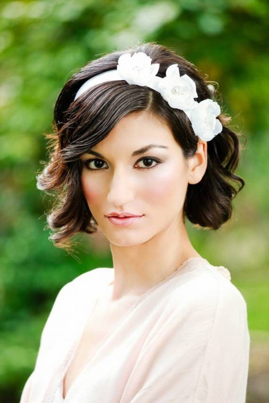 18 Stylish Wedding Hairstyles For Short Hair Intended For Most Recent Wedding Hairstyles For Short Dark Hair (View 12 of 15)