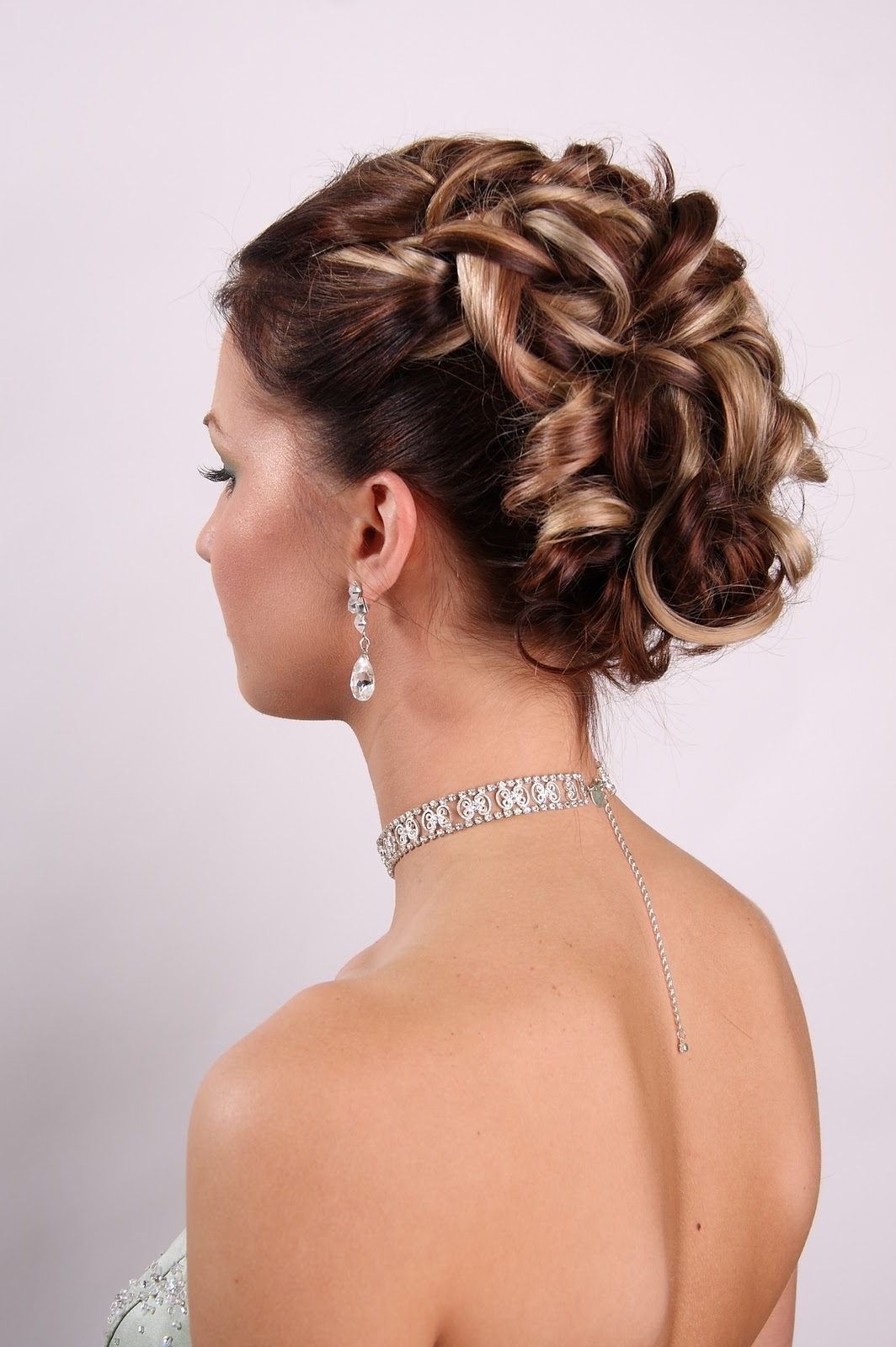 20 Of The Most Beautiful Updo Haircuts For Gorgeous Women – Haircuts In Well Known Classic Wedding Hairstyles For Medium Length Hair (View 2 of 15)