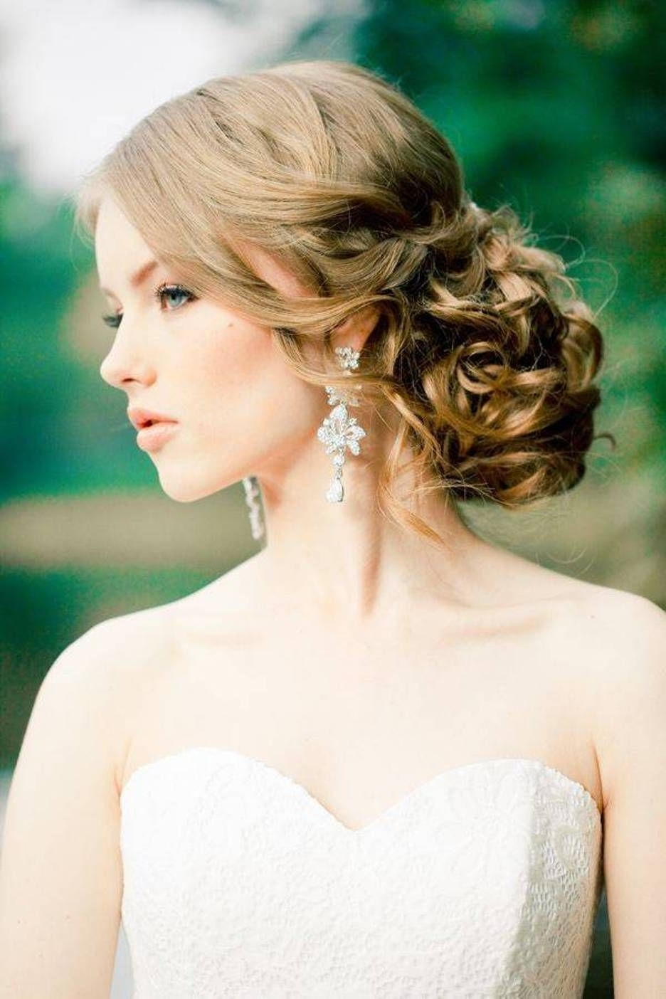 2017 Wedding Hairstyles For A Strapless Dress With What Is The Best Hairstyle (View 2 of 15)