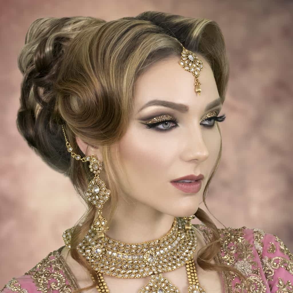 Featured Photo of Asian Wedding Hairstyles