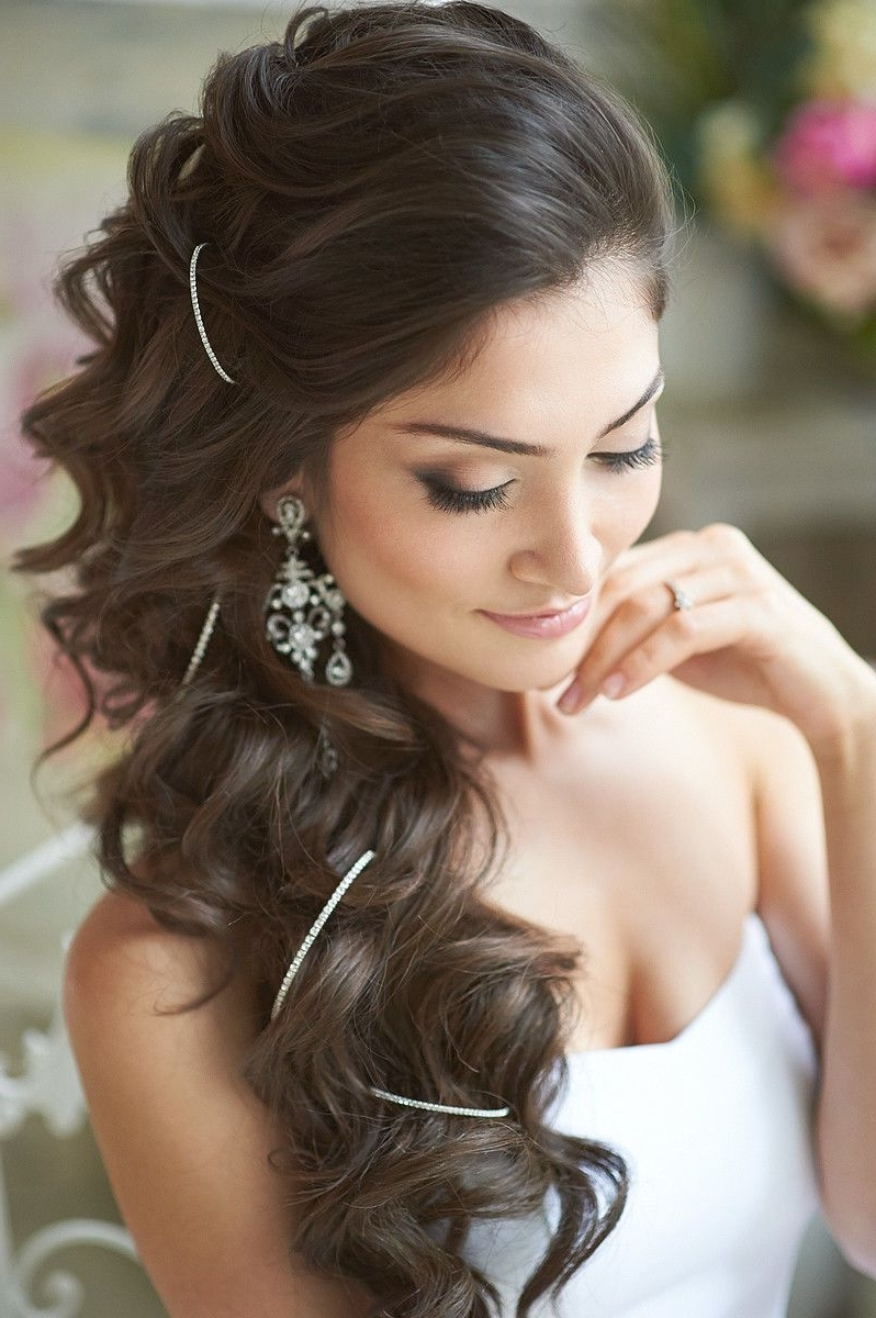 22 Romantic Wedding Hairstyles For Every Bride (View 4 of 15)