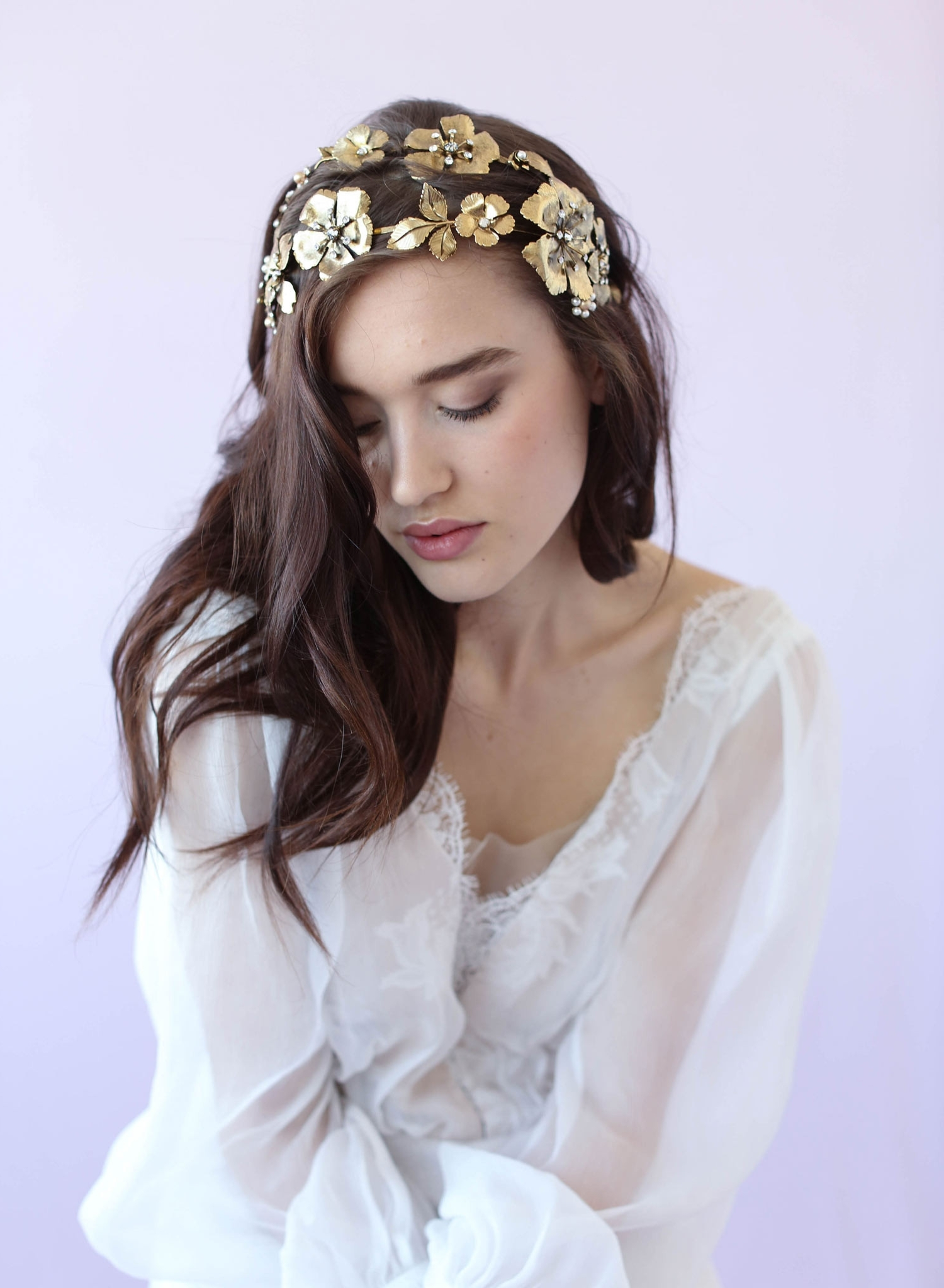 24 Fabulous Vintage Wedding Hair Accessories For A Glam Bride Pertaining To Favorite Wedding Hairstyles With Accessories (View 2 of 15)