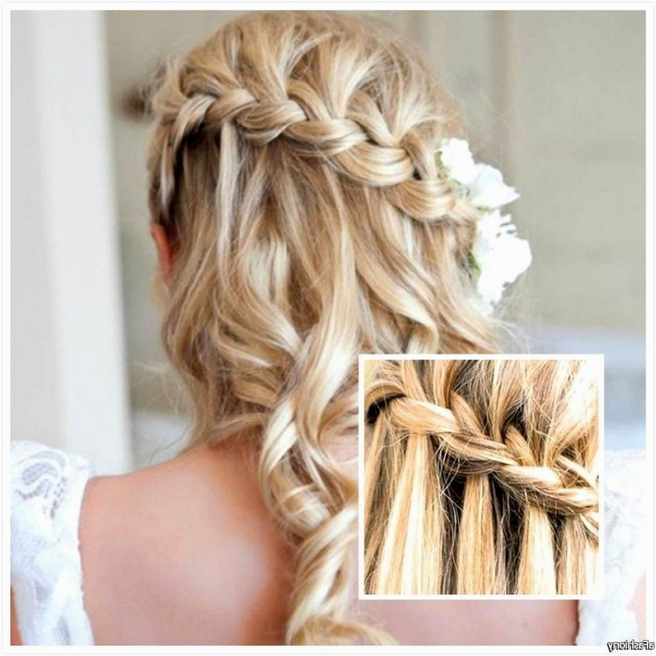 35 Romantic Wedding Updos For Medium Hair – Wedding Hairstyles 2018 With Trendy Wedding Hairstyles For Shoulder Length Layered Hair (View 2 of 15)
