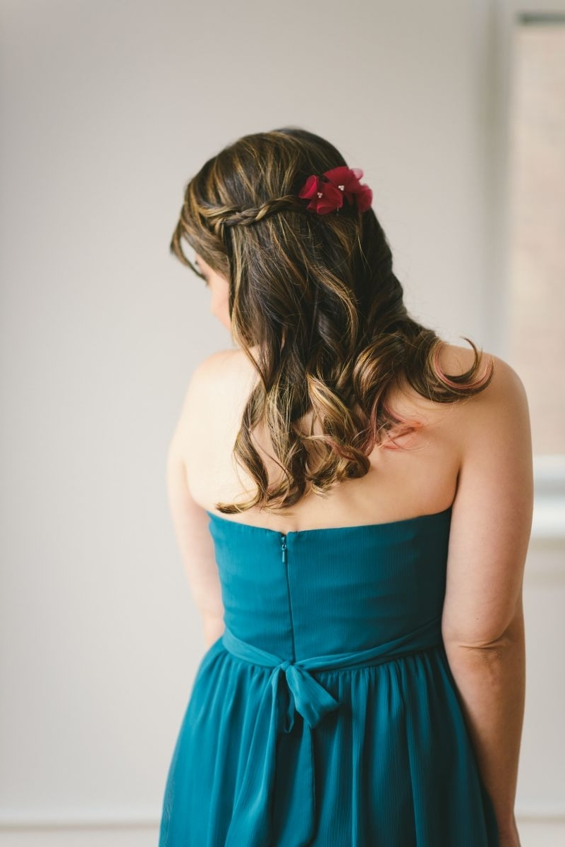 5 Quick And Easy Bridesmaid Hairstyles – The Everygirl Inside Well Liked Wedding Hairstyles For Teenage Bridesmaids (View 4 of 15)