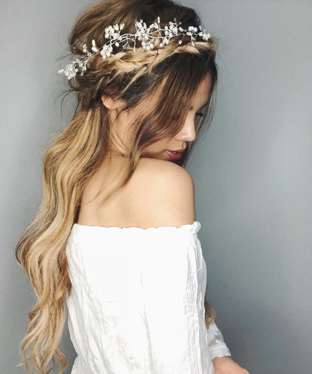 87 Fabulous Wedding Hairstyles For Every Wedding Dress Neckline Intended For Most Current Relaxed Wedding Hairstyles (Gallery 4 of 15)